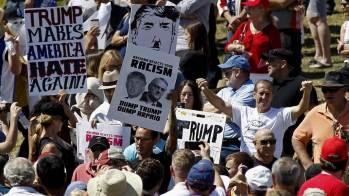 a_ov_trump_protestors_160321.nbcnews-ux-1080-600.jpg